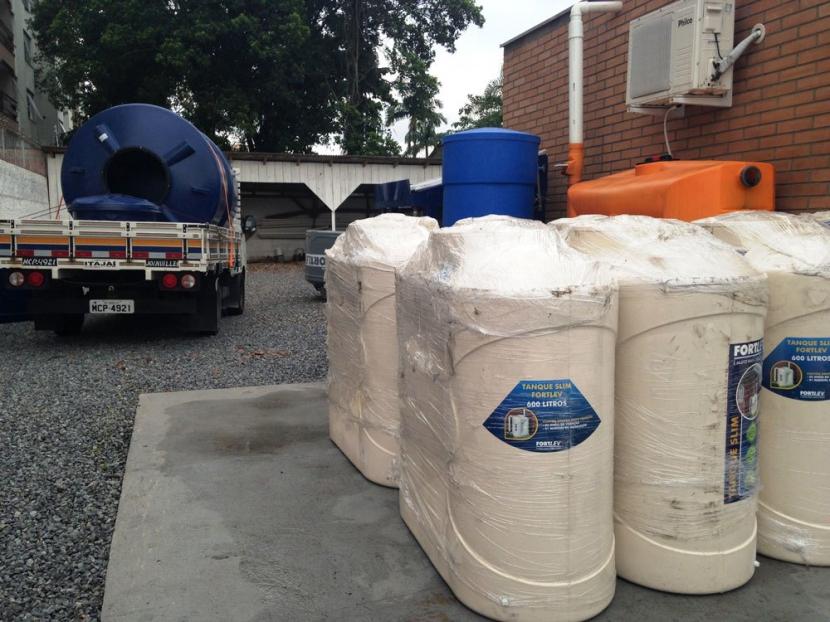 A Casa da Cisterna acaba de receber dez cisternas de 600 Litros ótimo custo benefício